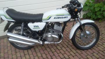 Kawasaki S1 White 250cc model 1972