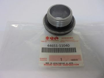 44651-11040 Cap screw oiltank Suz.T250/350/500