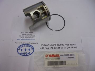 4A1-11631-00-23 Piston Yam.TZ250G'78 used but perf.
