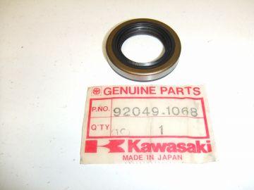 653B254007/92049-1068 Oilseal,crankshaft Kaw.KX125 '81 up L.& R.