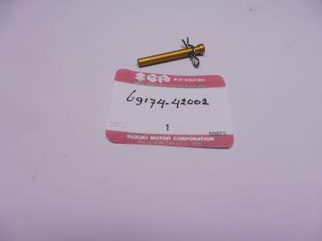 69174-42002 Pin brake pad rear caliper RG500 / RGB500
