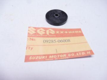 09285-06008 Oil seal clutch push rod GT250 / RG250