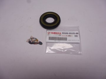 93103-25121 Seal crankshaft L.H.outer TZ250 H untill S