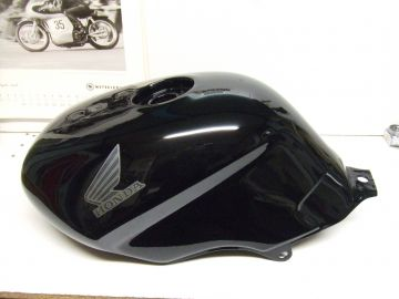 17511-MS9-750 Fueltank Honda NVT650 revére Black >New