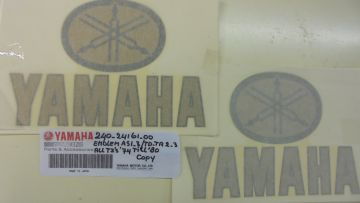 240-24161-00 Emblem set fueltank Yamaha racing 1968 untill 1980