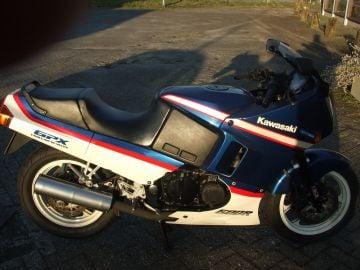 Kawasaki GPX600R motorbike running condition