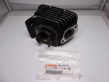 396-11321-01 Cylinder Right half RD125