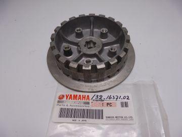 132-16371-02 Boss clutch Yamaha