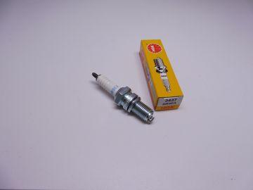 DR9EA (NGK) spark plug (bougie)