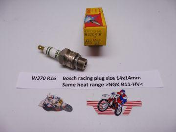 W370 R16 (Bosch) racing spark plug