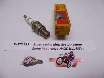 W370 R17 (Bosch) Racing spark plug (bougie)