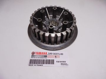 1A0-16371-00 New boss clutch RD350LC/RD400