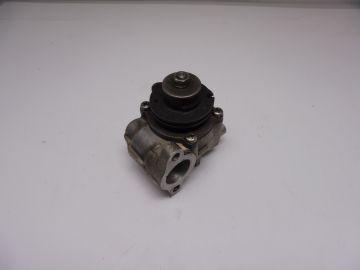 1A0-13101-00 Oil pump housing assy RD250/RD400