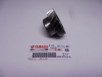 278-16111-01 Gear primary crankshaft Yamaha RD350 new >or as new