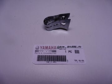 4KM-25886-10 Holder cable L.H. Front caliper XJ900S as