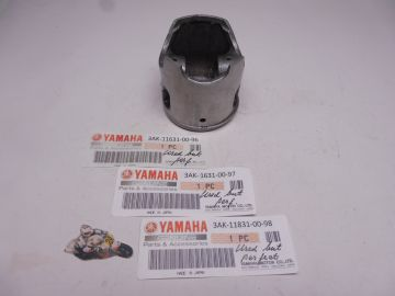 3AK-11631-00 96/97/98 Piston Yamaha TZ250 1987 1988 used but perfect