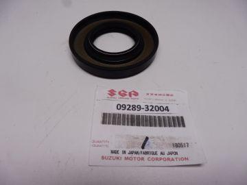 09289-32004 Seal crankshaft Suzuki GT185-GT550 and RG250 new 32x62x8